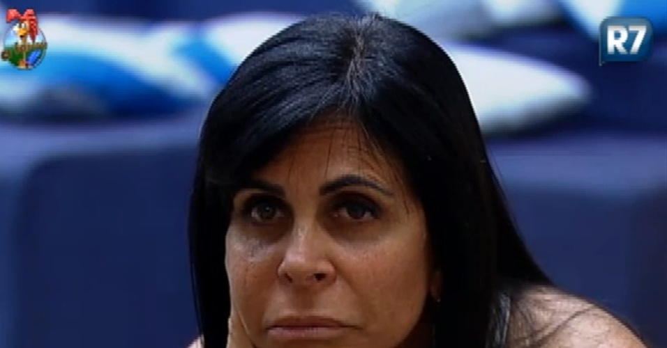 Gretchen critica Robertha Portella em conversa com Viviane Araújo (29/6/12)