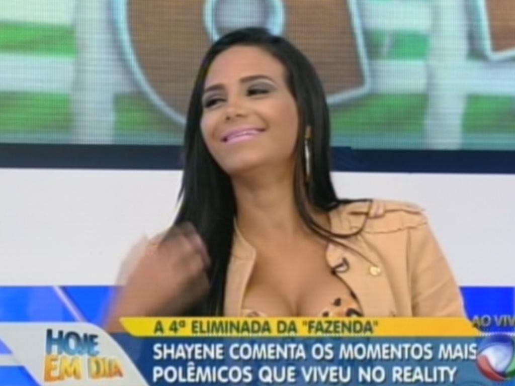 Shayene Cesário em entrevista no programa