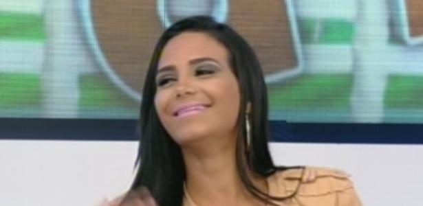 """Shayene Cesário em entrevista no programa """"Hoje Em Dia"""" (29/6/12)"""