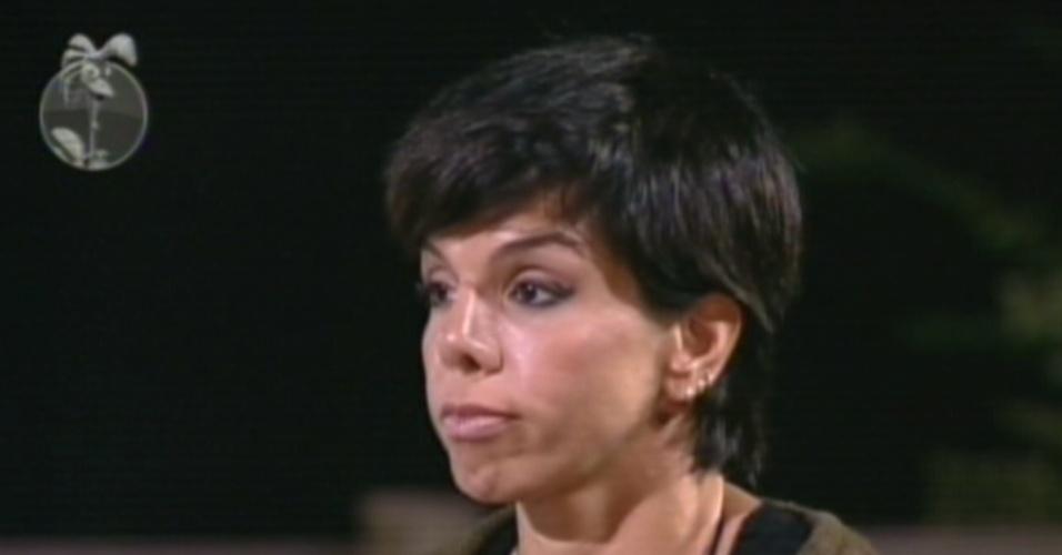 Penélope Nova alega ter menos afinidade com Simone Sampaio do que com outros peões e a indica para a roça (3/7/12)