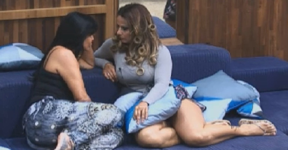 Gretchen conta para Viviane Araújo que decidiu sair de