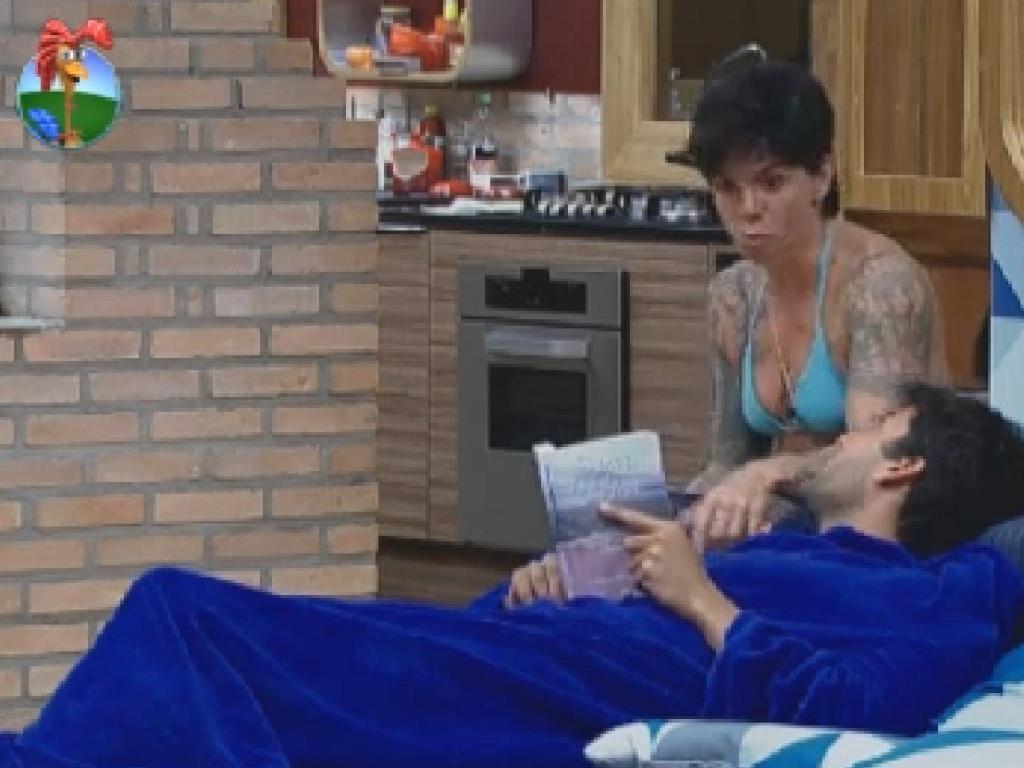 Penélope Nova fala sobre Simone Sampaio para Diego Pombo (6/7/12)