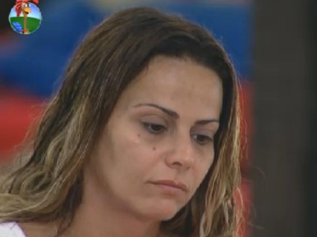 Abatida, Viviane Araújo relembra noite de bebedeira com Simone Sampaio (7/7/12)