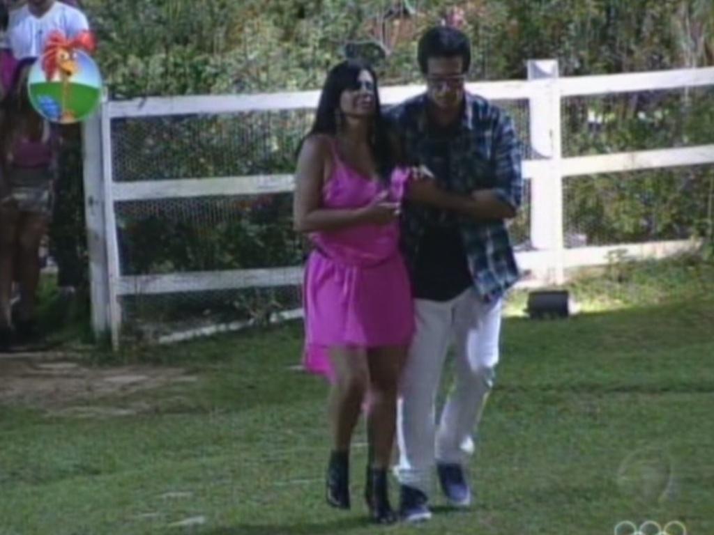 Felipe Folgosi vai com Gretchen até a saída do programa nesta sexta-feita (6/7/12)