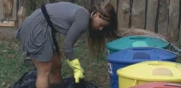 Viviane Araújo cuida do lixo (8/7/12)