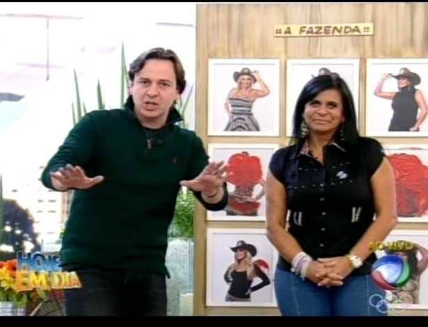Gretchen conversa com Celso Zucatelli no