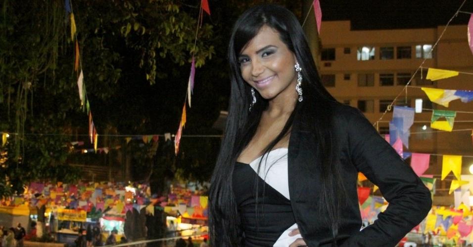 Shayene Cesário participa de festa julina no Retiro dos Artistas, no Rio de Janeiro (8/7/12)