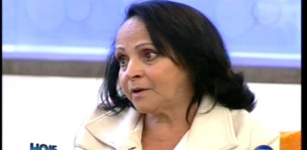 Mãe de Léo Áquilla dá entrevista ao