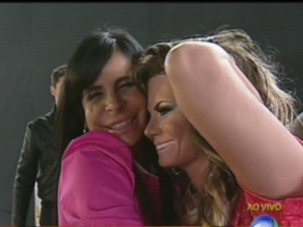 Gretchen abraça