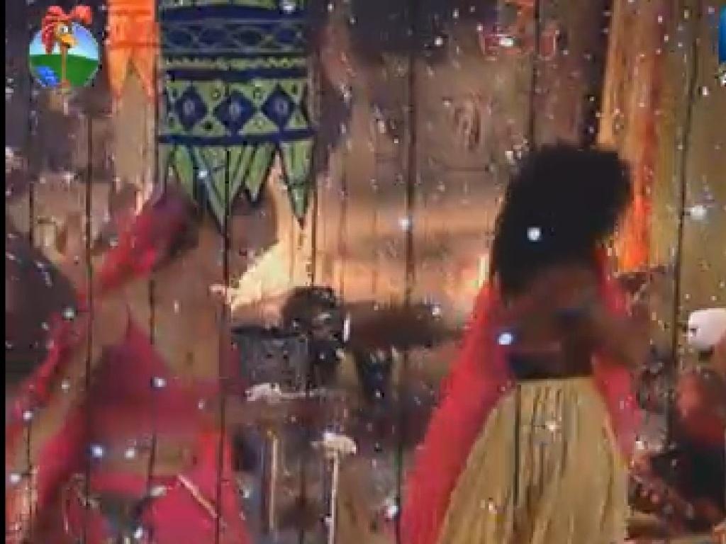 Além de decoração e comida, os peões aproveitaram música indiana (16/7/12)