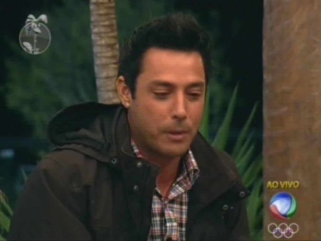 Na votação em grupo, Vavá indica Felipe Folgosi para a roça (18/7/12)