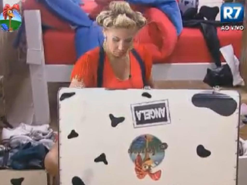 Ângela Bismarchi começa a arrumar malas para a eliminação desta quinta-feira (19/7/12)