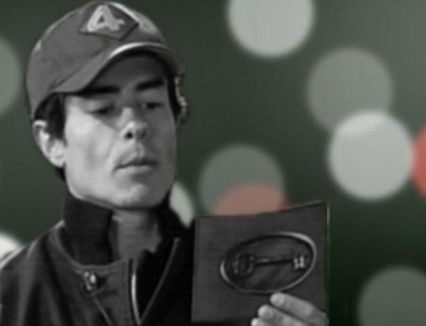 O ator Felipe Folgosi em foto congelada de