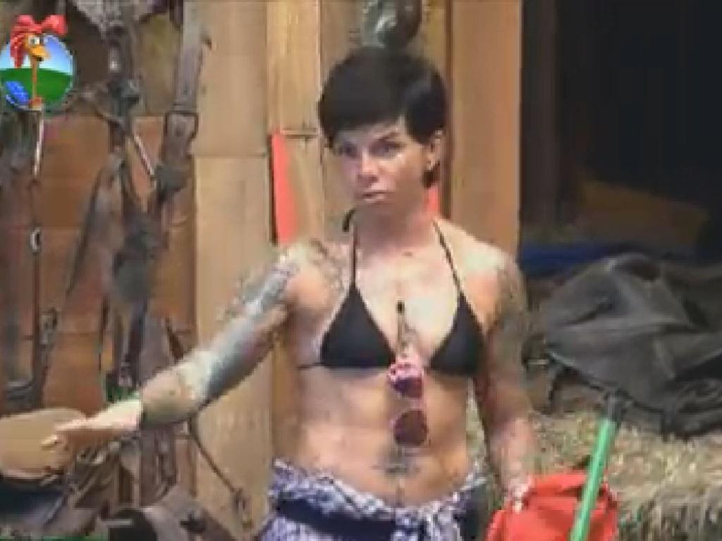 Penélope Nova conversa com Diego e Nicole no celeiro (23/7/12)