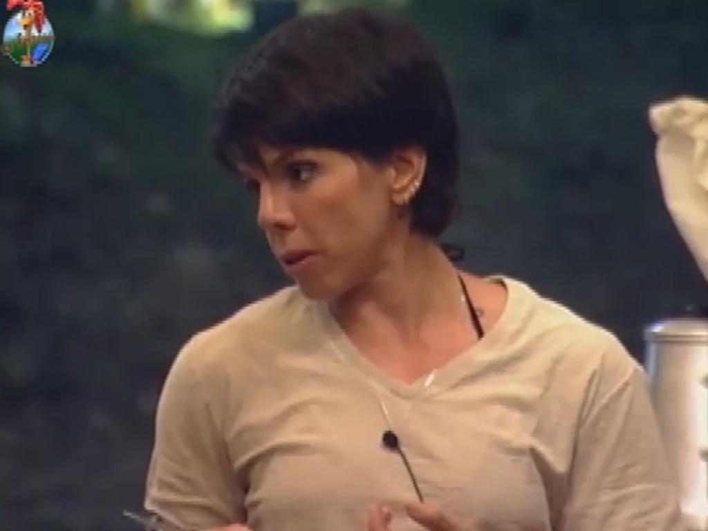 Penélope Nova fala sobre relacionamentos com Nicole Bahls (22/7/12)