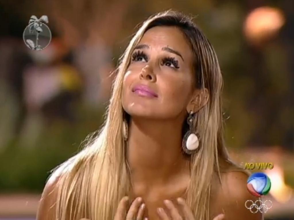 Robertha Portella se indigna com explicação de voto de Vavá (24/7/12)