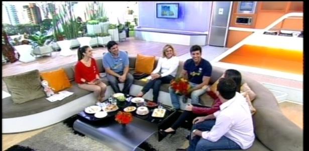 Diego Pombo reencontra a mãe, o irmão e a cunhada no