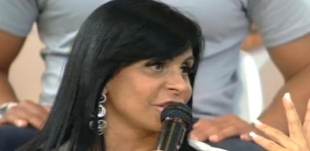 Gretchen rebate críticas que recebeu de Penélope Nova (27/7/12)