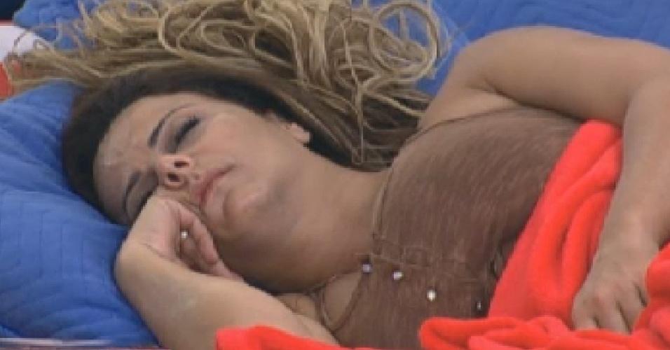 Viviane Araújo dorme profundamente neste sábado (28/7/12)