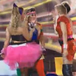 Viviane Araújo, Robertha Portalla e Léo Áquilla aproveitam festa (27/7/12)