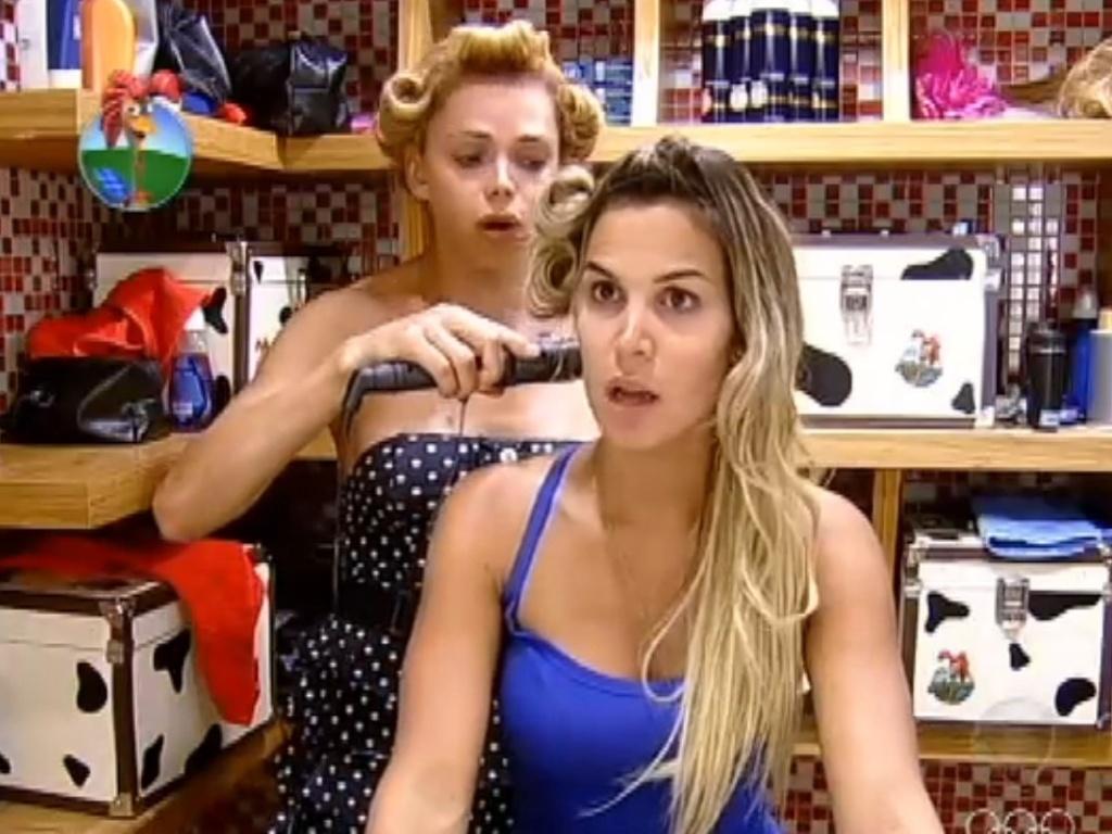 Léo Áquilla e Robertha Portella trocam confidências em