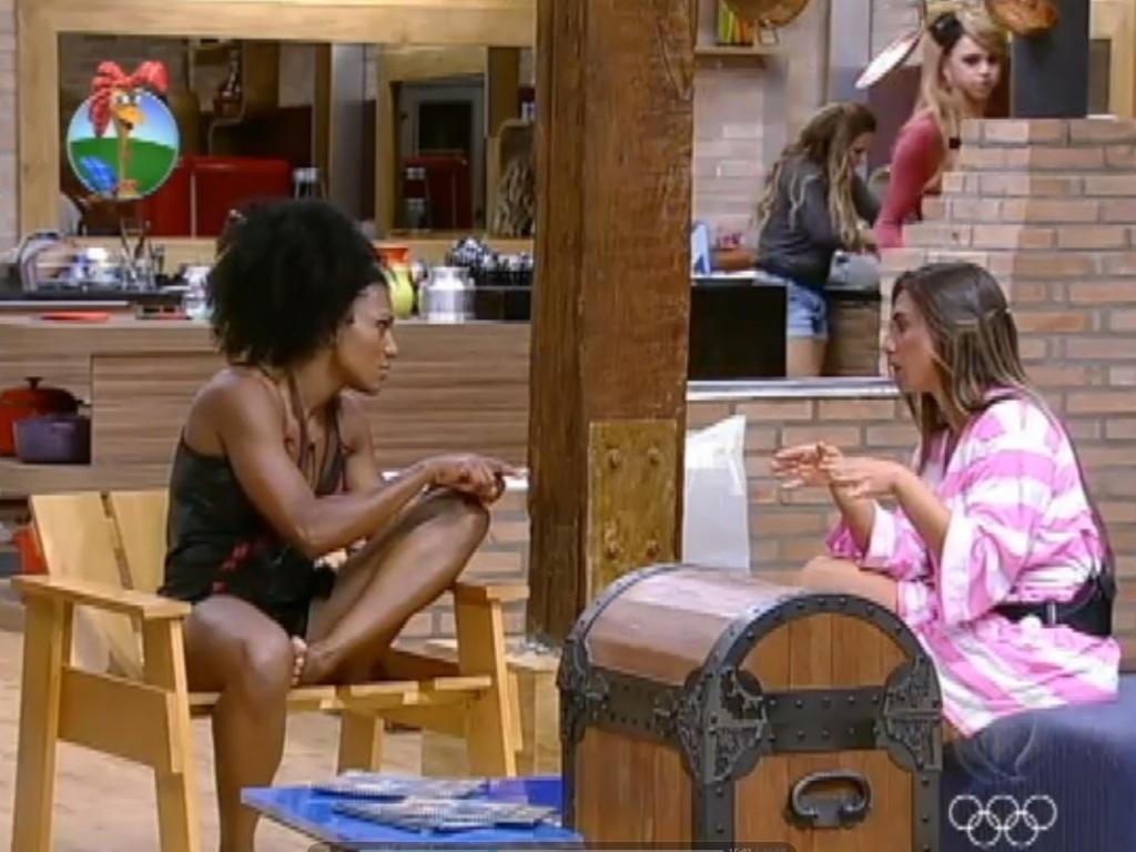 Nicole Bahls ataca argumentos de Simone Sampaio para formação da roça (30/7/12)
