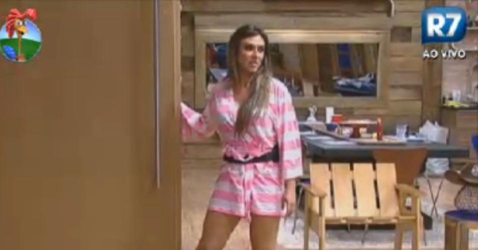 Depois de ser indicada para a roça, Nicole Bahls desabafa na sede sobre comentário de Viviane (1/8/12)