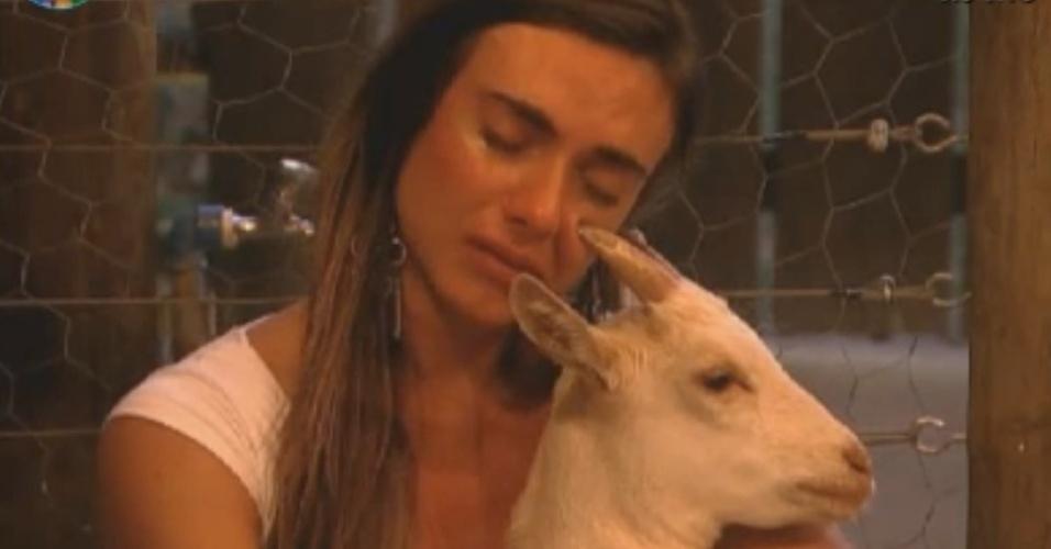 Nicole Bahls chora com as cabras em noite de eliminação (2/8/12)