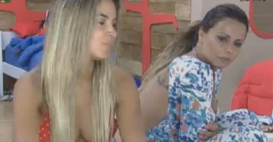 Viviane Araújo elogia a música de Belo em conversa com Robertha Portella e Léo Áquilla