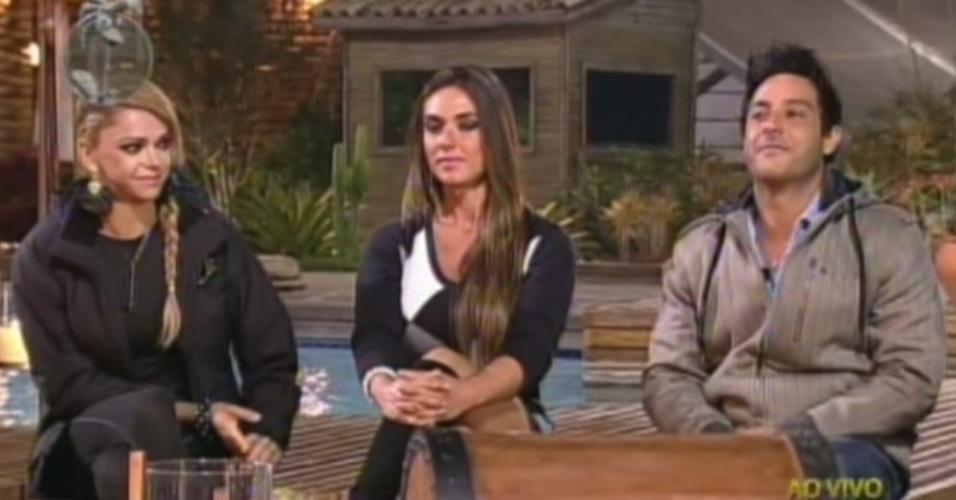 """Léo Áquilla, Nicole Bahls e Vavá recebem votos para a nona roça de """"A Fazenda 5"""" (7/8/12)"""