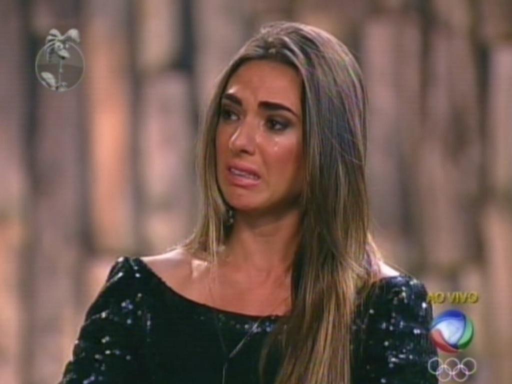 Nicole Bahls chora antes de saber o resultado da roça contra Vavá (9/8/12)