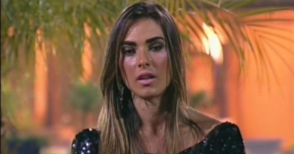 """Nicole Bahls diz que gostaria de enfrentar Simone Sampaio e Viviane Araújo na final de """"A Fazenda 5"""" (9/8/12)"""
