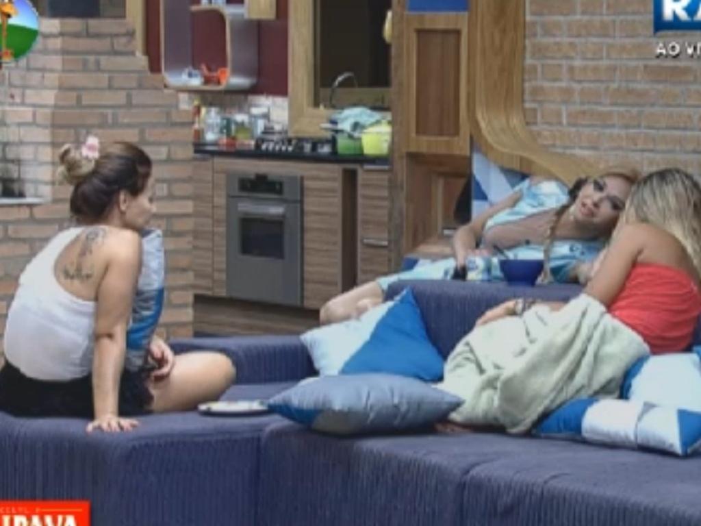 Léo Áquilla, Viviane Araújo e Robertha Portella comentam sobre boa forma (12/8/12)