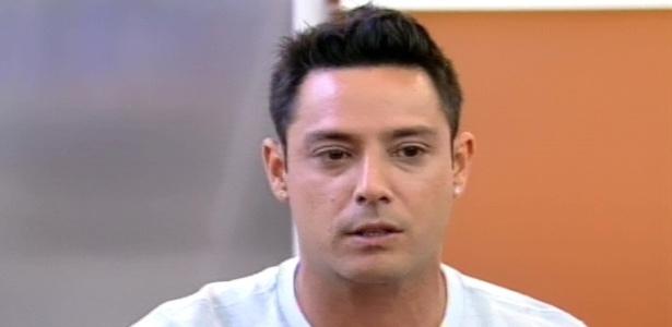 O cantor Vavá durante entrevista ao programa 'Hoje em Dia' (13/8/12)