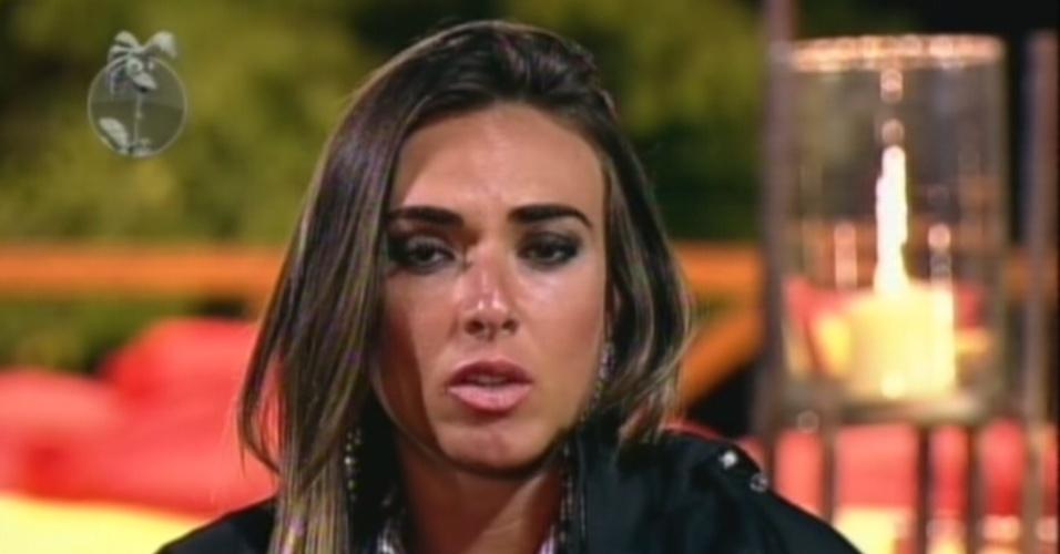 Nicole Bahls ironiza voto que recebeu de Viviane Araújo para décima roça de