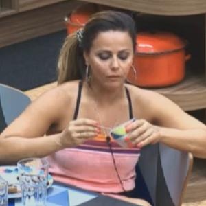 Viviane Araújo comenta com peões que deseja atuar em novela após reality (15/8/12)