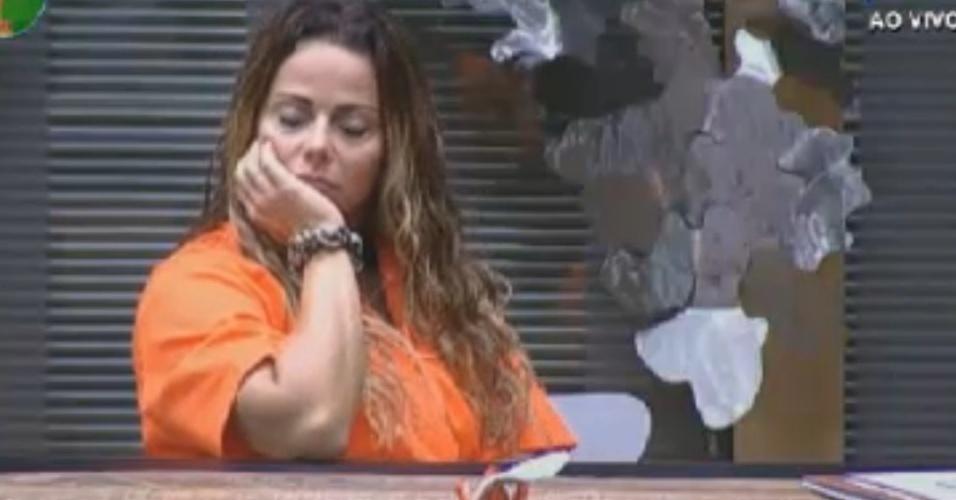 Viviane Araújo mostra irritação e ansiedade pela prova da chave deste domingo (19/8/12)