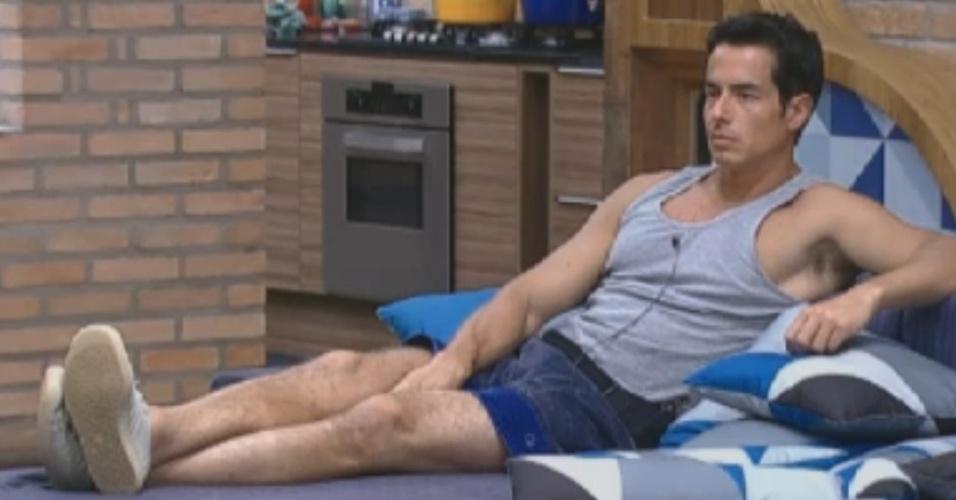 Felipe Folgosi diz que não quer guardar rancor de Nicole Bahls por causa de briga (21/8/12)