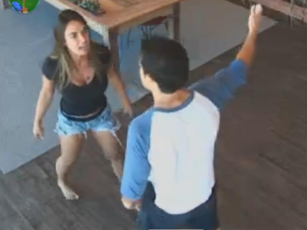 Nicole Bahls discute com Felipe Folgosi e dispara: