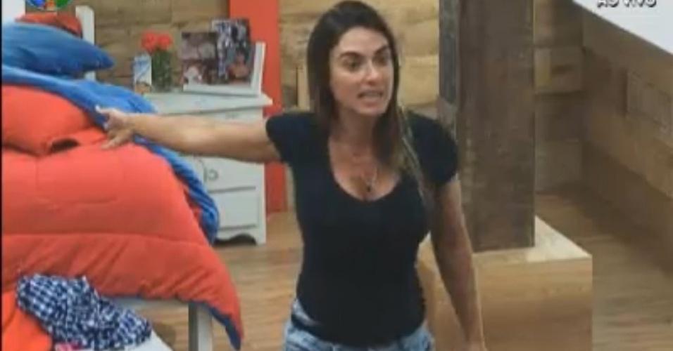 Nicole Bahls discute com Felipe Folgosi na tarde desta terça-feira (21/8/12)