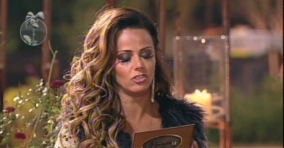 Viviane Araújo revela o segredo do poder da chave na penúltima formação de roça de