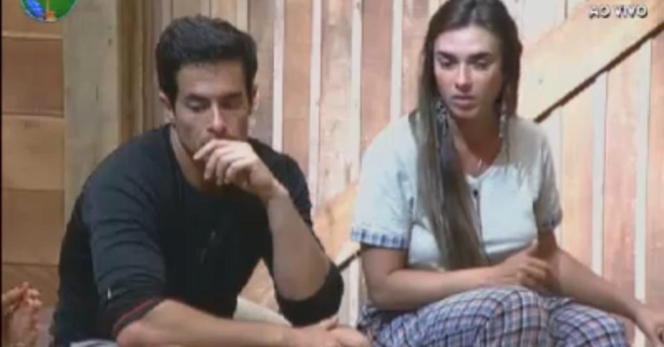 Nicole pede desculpas a Felipe durante atividade (24/8/12)