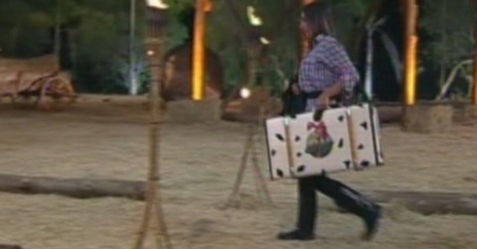 """Eliminada com 69% dos votos, Nicole Bahls deixa """"A Fazenda 5"""" a três dias da final (26/8/12)"""