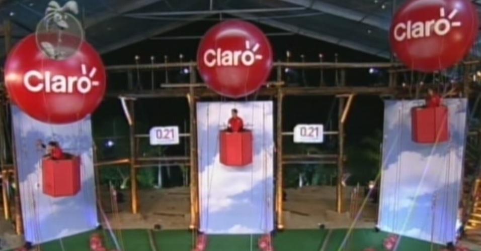 Balão de Viviane Araújo desce em prova de sorte (25/8/12)