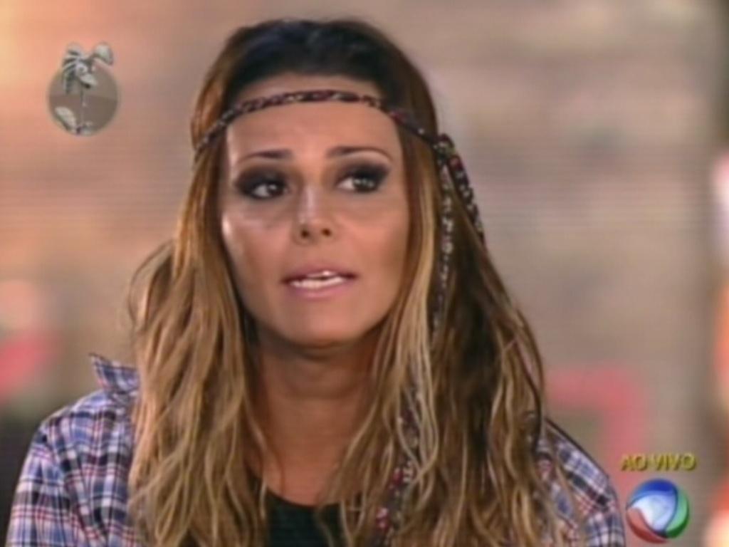 Viviane Araújo diz porque deve continuar em