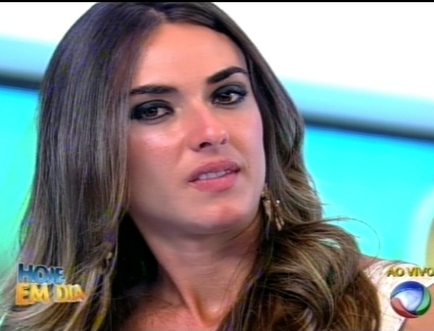 """Nicole Bahls participa do programa """"Hoje em Dia"""" (27/8/12)"""