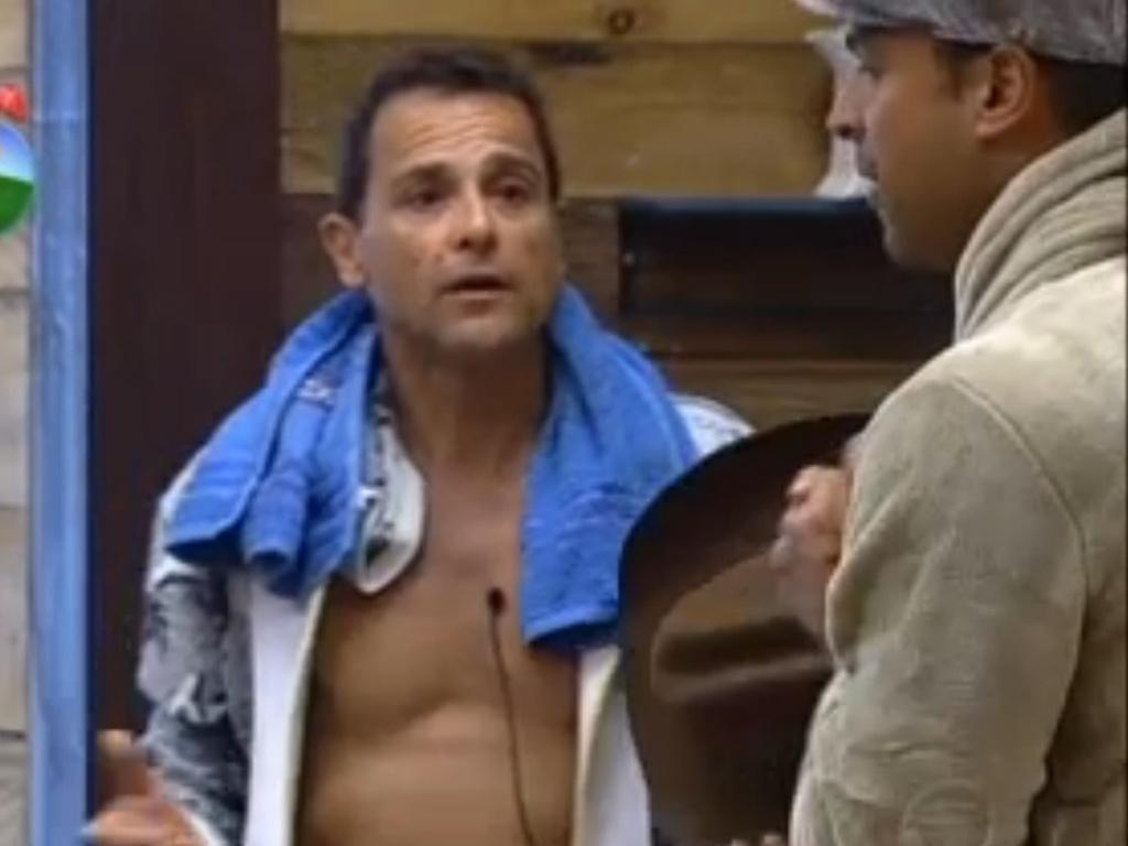 Sylvinho Blau Blau e Gustavo Salyer brigaram por causa de um palmito (10/6/12)