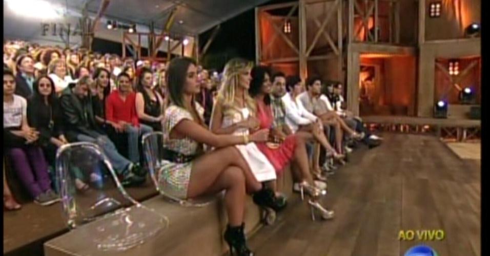 Ex-peões acompanham a final do reality (29/8/12)