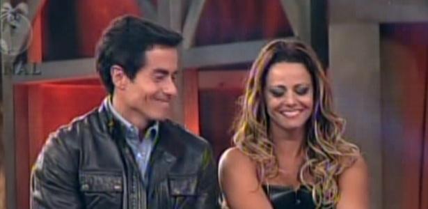 Felipe Folgosi e Viviane Araujo pouco antes do anúncio do resultado, que consagrou a dançarina
