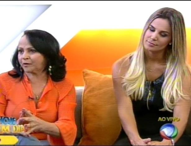 """Mãe de Léo Áquilla e Robertha Portella participaram do programa """"Hoje em Dia"""" nesta quarta-feira (29/8/12)"""
